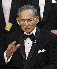 King_bhumibol_adulyadej_20109291